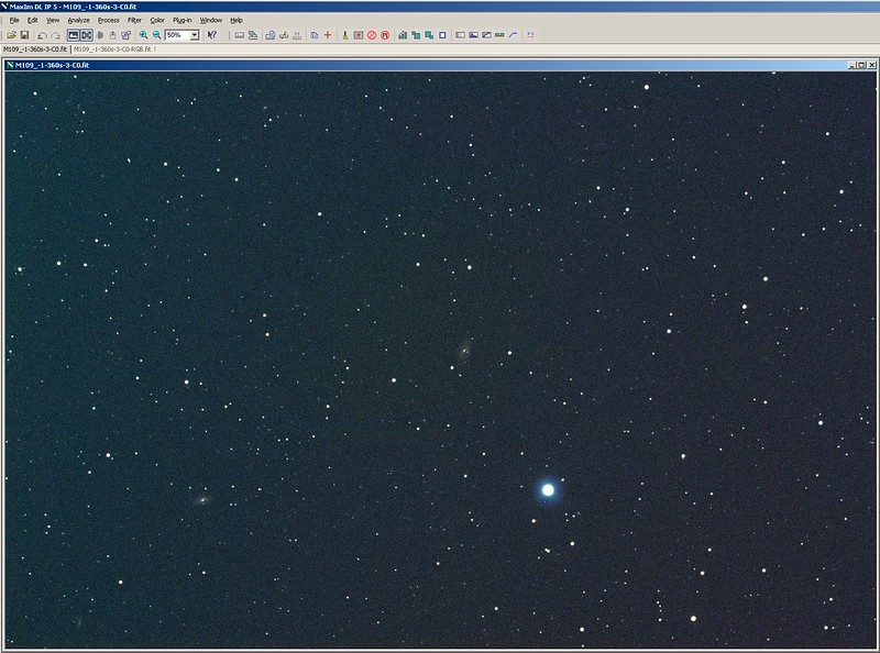 6a. If simply remove the gradient of this light polluted image via MaximDL-Process-Remove_Gradient you will detect several ungly areas with different colors. You must go another way to remove the gradients in your image. Now learn how to do it.jpg