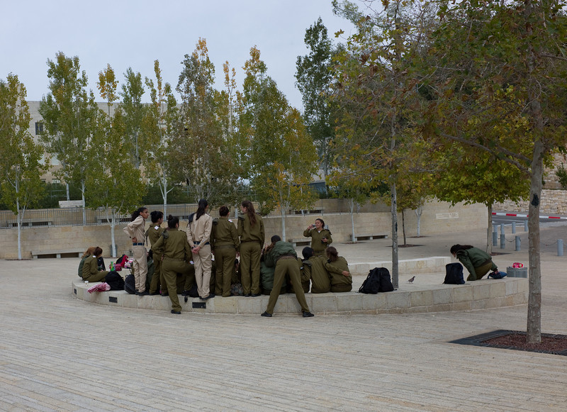 Morning queue of a military unit at Yad Vashem.