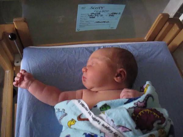 Niko newborn video