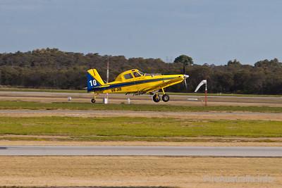 Bomber 610 (VH-JID) - Dunn Aviation AT802