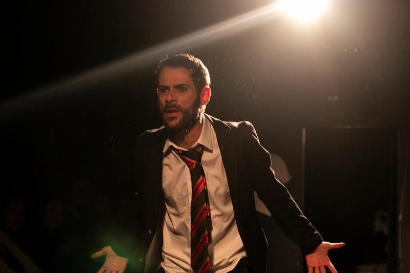 Allan Bravos - Fotografia de Teatro - Indac - Migraaaantes-255.jpg