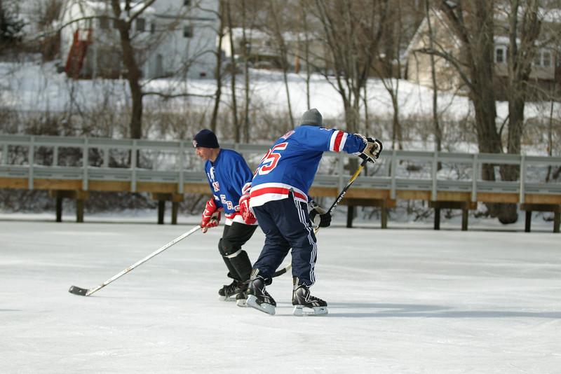 20140208_EMCphotography_PondHockeyCongersLakeNY-17.jpg