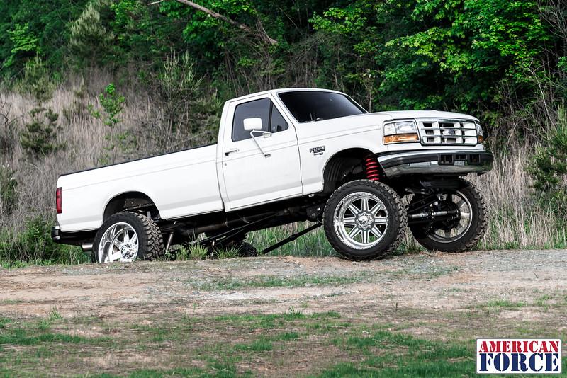 SDP-Kreg-O'Hara-White-1997-Ford-F250-24x12-Legend-@streetdieselperformance-170429-DSC05902-56.jpg