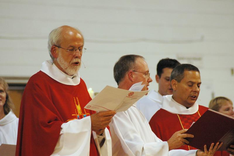 Presiding Bishop Mark S. Hanson, Michael Burk and Carlos Peña lead the opening worship service