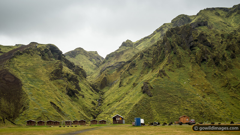 The picturesque Þhakgil campground, complete with cabins and roaming sheep