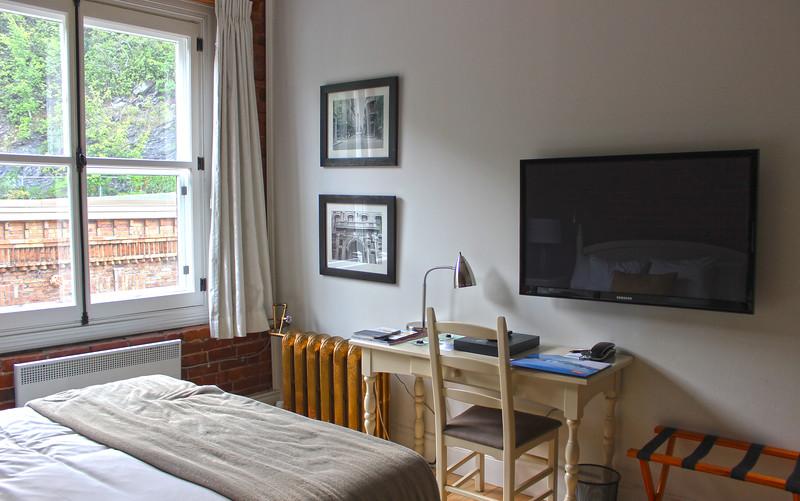 QuebecCity-Hotel-LeSaintPierreAuberge-08.JPG