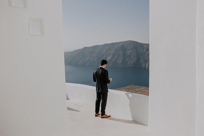 Tu-Nguyen-Destination-Wedding-Photographer-Santorini-Rocabella-Hotel-Euna-Ehsan-369.jpg