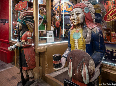 Tobacco Store Indians