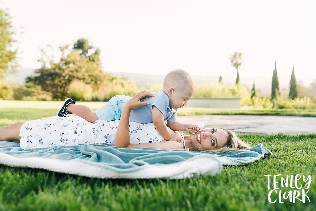 Lifestyle backyard family photography session in Los Altos Hills, CA by Tenley Clark Photography.