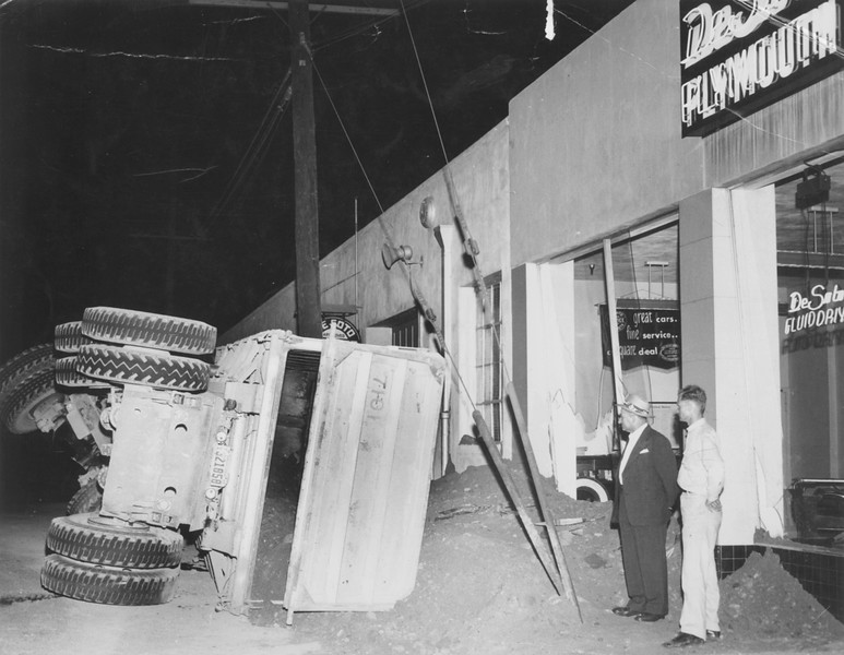 1949, Flipped Truck