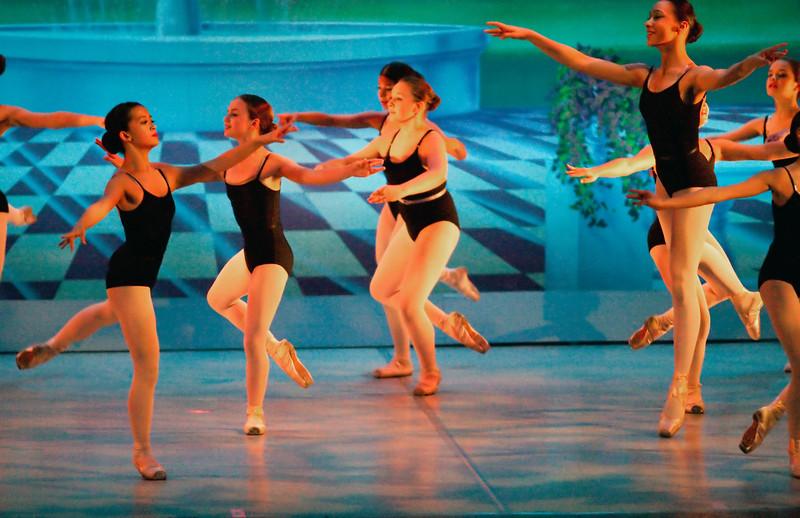 livie_dance_051714_03.jpg