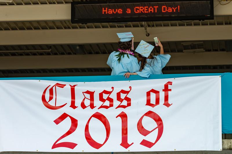 Hillsdale Graduation 2019-10107.jpg