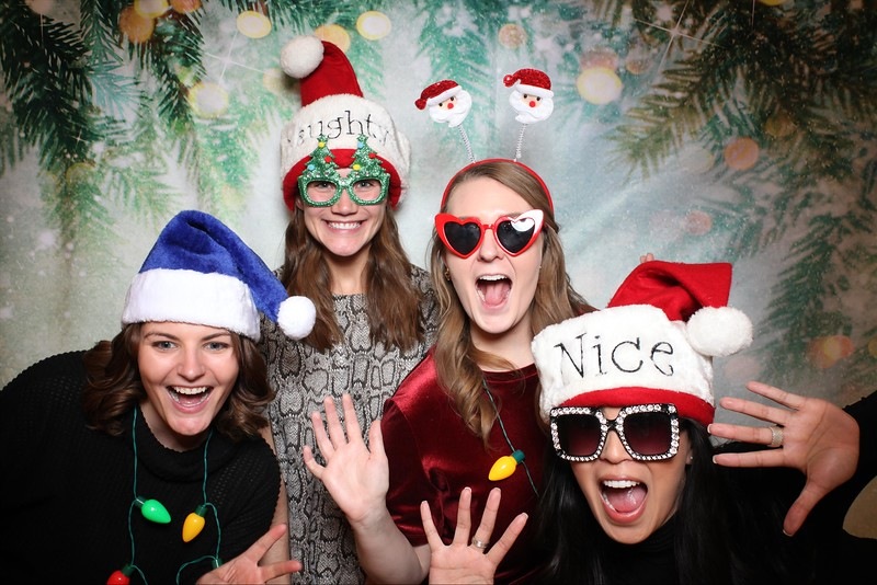 2019UniversityOfChicagoLawSchoolHolidayParty36.jpg