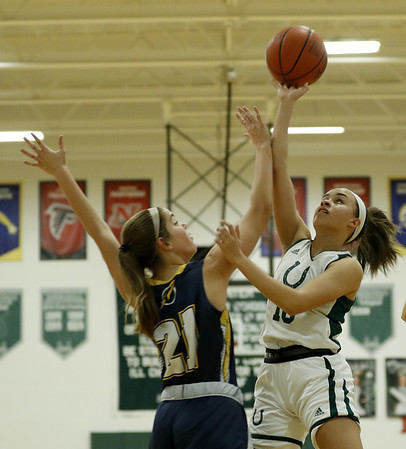 Brenna Holliday comes to the rescue in Cloverleaf win