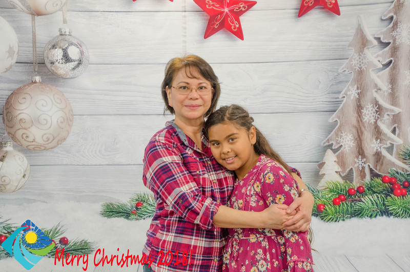 Christmas Photobooth 2018 Sunday-118.jpg