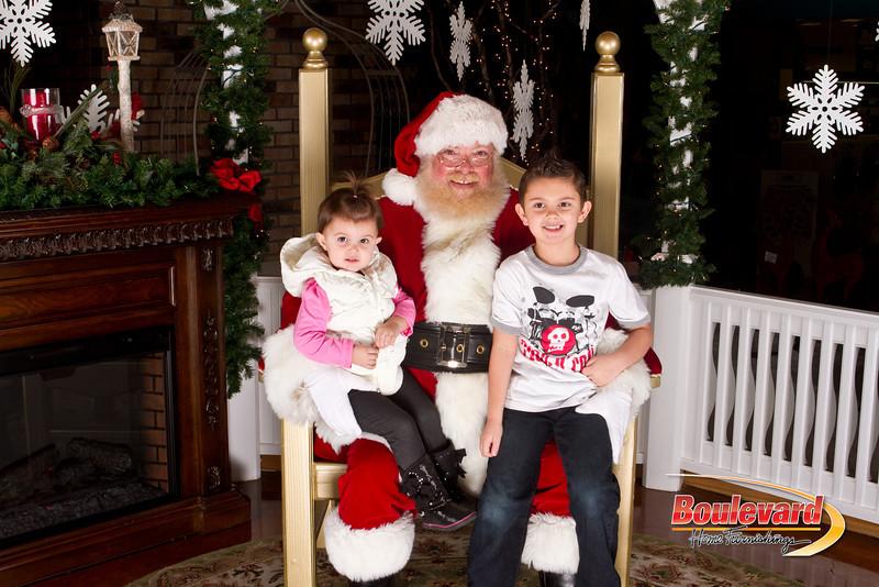 Santa Dec 15-291.jpg