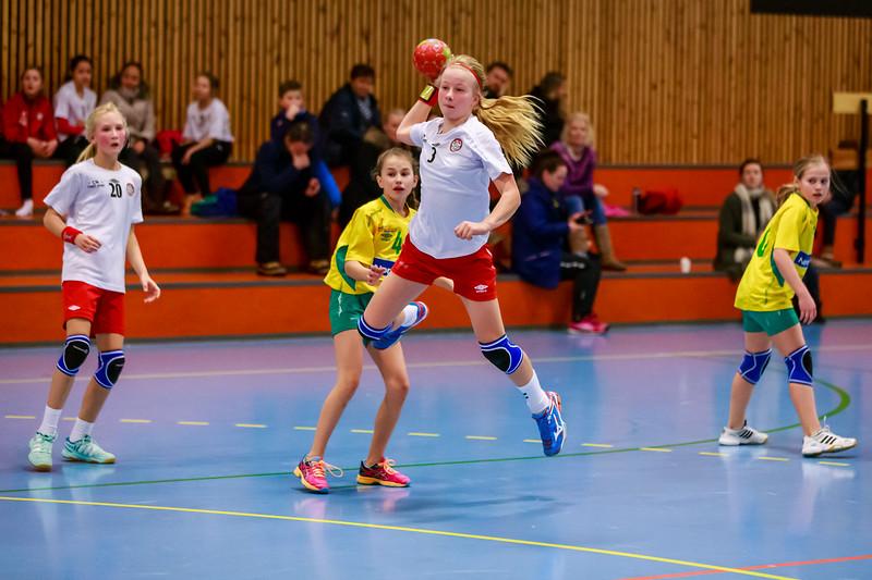 Skedsmo Blå J04 tok  hjem en klar seier mot Ull/Kisa i dag og flere jenter fikk vist hva de kan.  Kampen endte 21-5