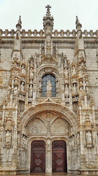 """Gables and Pinnacles"" - ""Igreja Santa Maria de Belém"" - Lisboa"