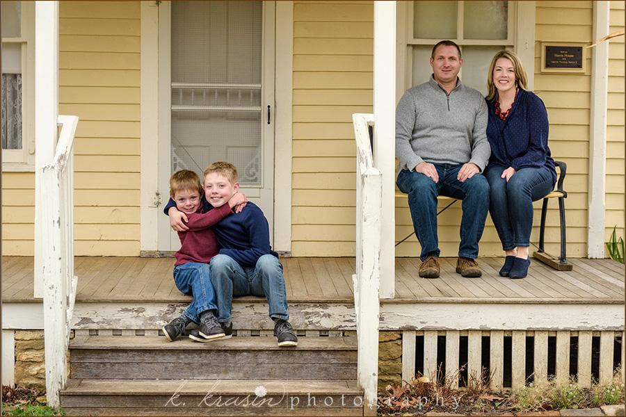 Front porch sit