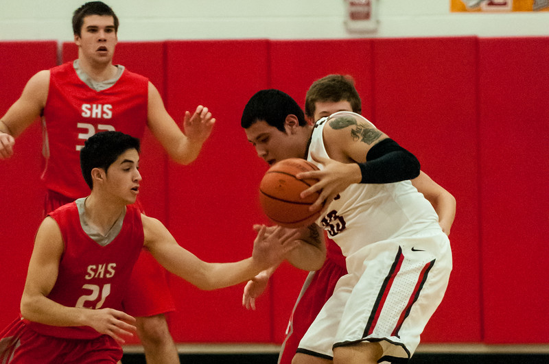 December 10, 2013 - Basketball - Boys - La Joya Juarez Lincoln vs Sharyland_lg