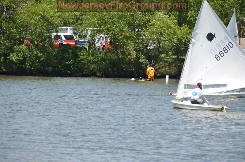 5-29-2016(Camden County)PENNSAUKEN Cooper River - Water Rescue