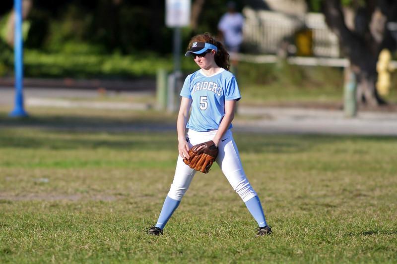Softball Girls RE 3515.jpg