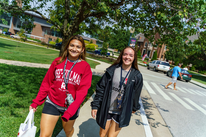 RHIT_Freshman_Move_In_Day_2019-7950.jpg
