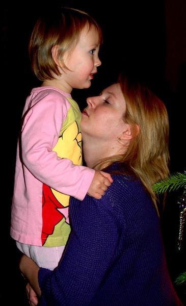 041224 1676 England - Henley - Christmas with Robertsons - Christmas Eve Zara and Suzan C _F _P ~E ~P.jpg
