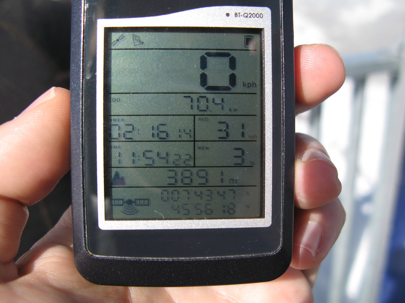 My GPS tracker at the top of the Klein Matterhorn showing 3891m.