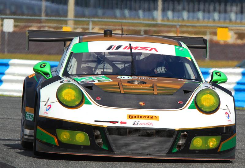 Roar17_0033-#28-Porsche.jpg