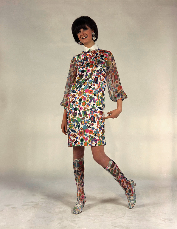 . Of fancy painted silk, with chiffon sleeves. Also boots are of chiffon. A creation of Faraoni house of Rome and Naples, presented in Florence. Earrings are by the Elviretta house of Rome fashions Italian dress, Jan. 19, 1967. (AP Photo/MT)