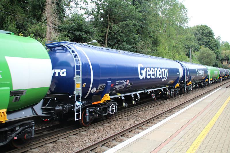 New GBRF TEA 83.70.7792015-0 on 6E92 Acton Lane-Immingham passes Welwyn North 23/08/12
