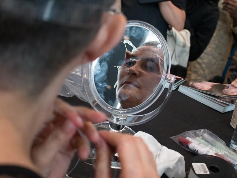 """Montreal, Canadá. Junio 21/2014. IX Encuentro Hemisférico de Performance y Política. Rocío Boliver (La Congelada de Uva) presenta """"Between Menopause and Old Age, Alternative Beauty""""."""