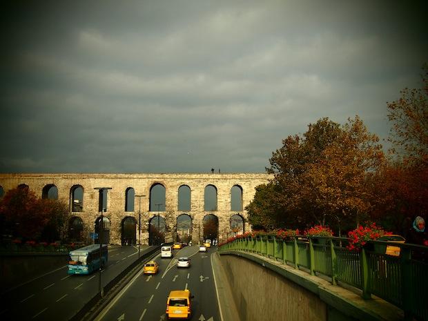 Istanbul photos - aqueduct