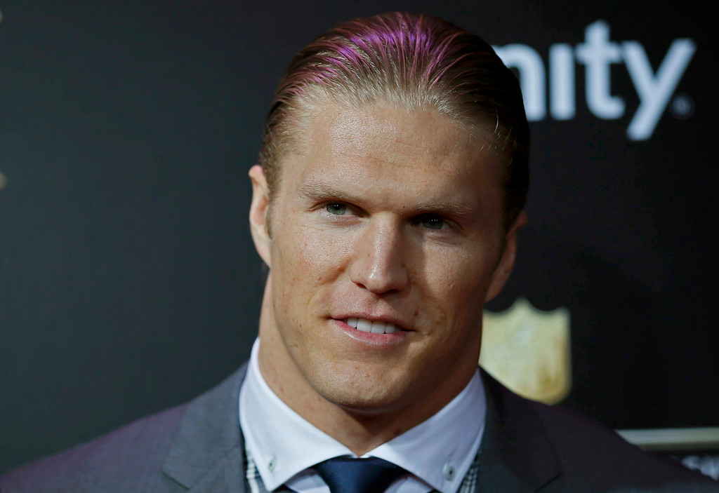 . Green Bay Packers player Clay Matthews arrives at the 2nd Annual NFL Honors in New Orleans, Louisiana, February 2, 2013. The San Francisco 49ers will meet the Baltimore Ravens in the NFL Super Bowl XLVII football game February 3.  REUTERS/Lucy Nicholson
