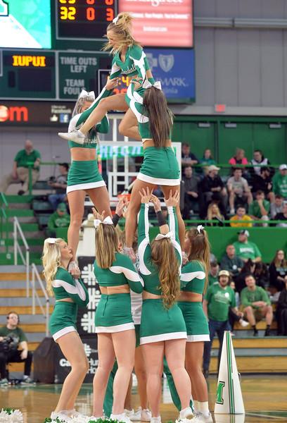 cheerleaders0501.jpg