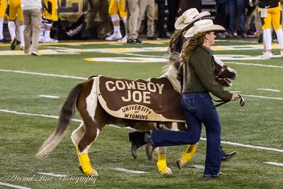 2016-11-05 UW Cowboys vs Utah State Aggies