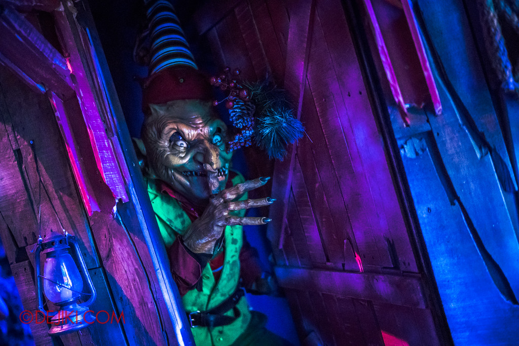 Halloween Horror Nights 7 - Happy Horror Days scare zone / Christmas Day Evil Elf