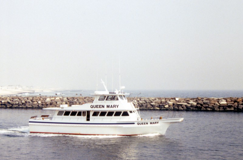 HCA-19920401-Boats at inlet while walking.jpg