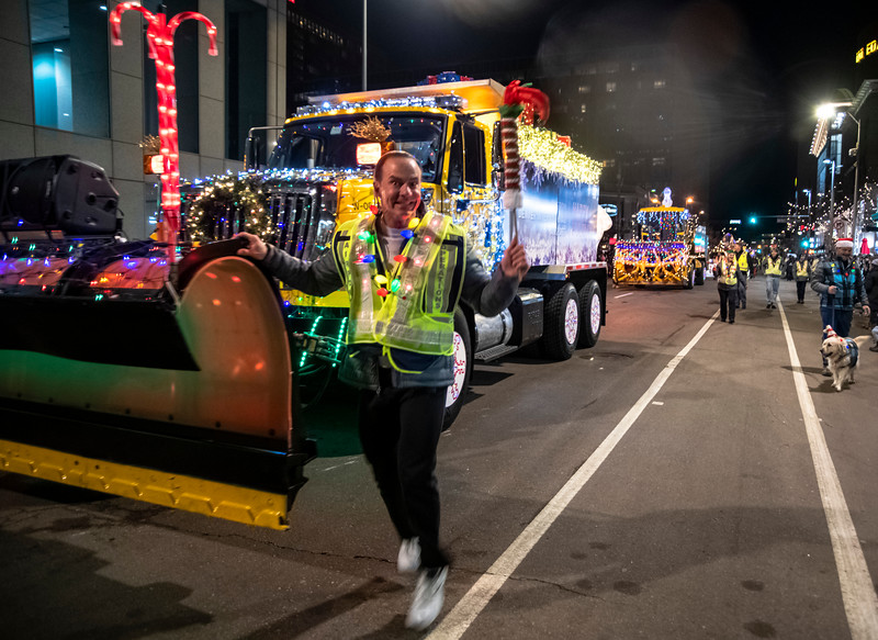 DIA parade of LIghts 201926071219.jpg