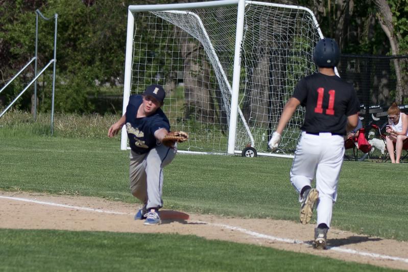 freshmanbaseball-170519-044.JPG