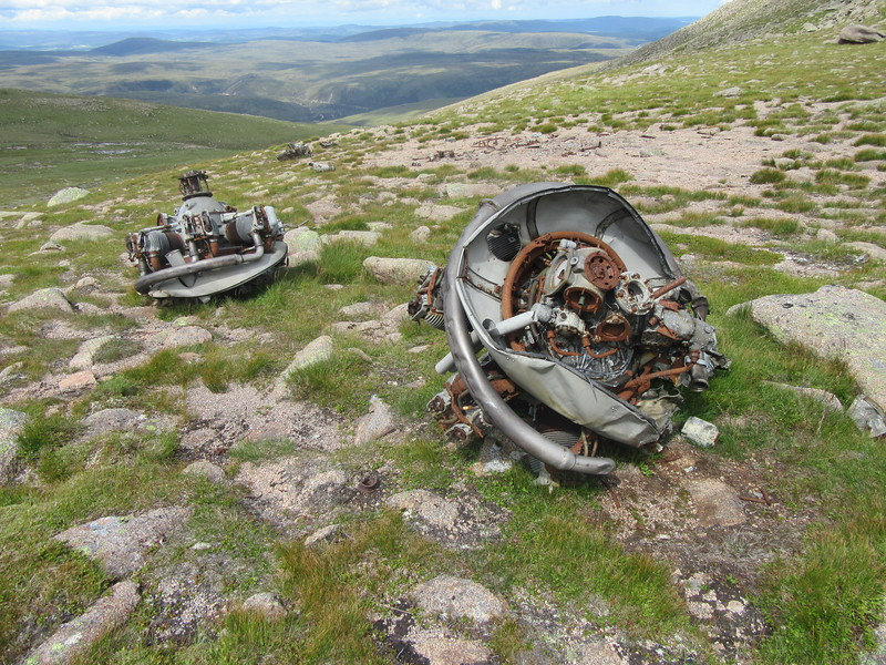 Remains of Airspeed Oxford ph404