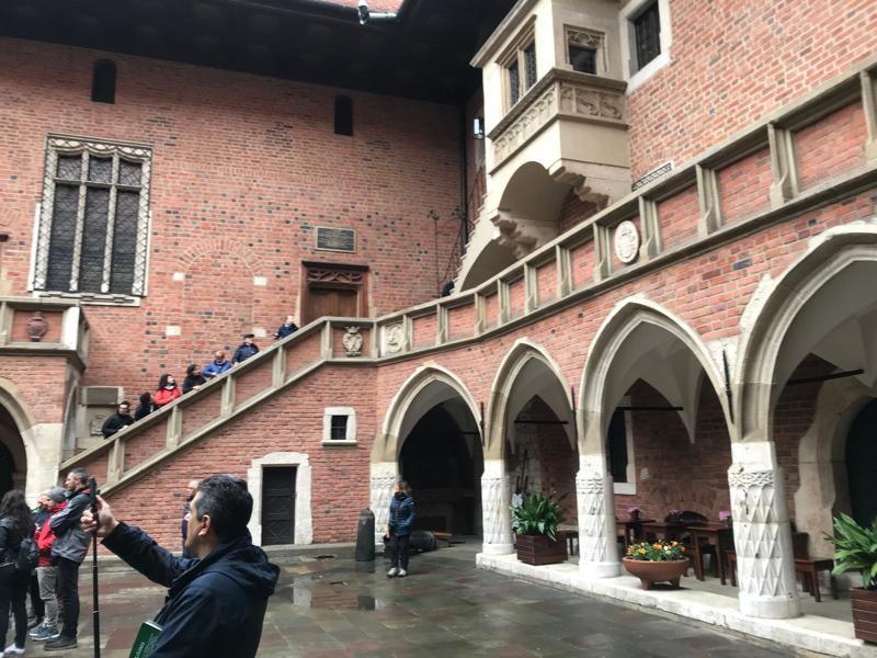 collegium-maius-courtyard.jpg