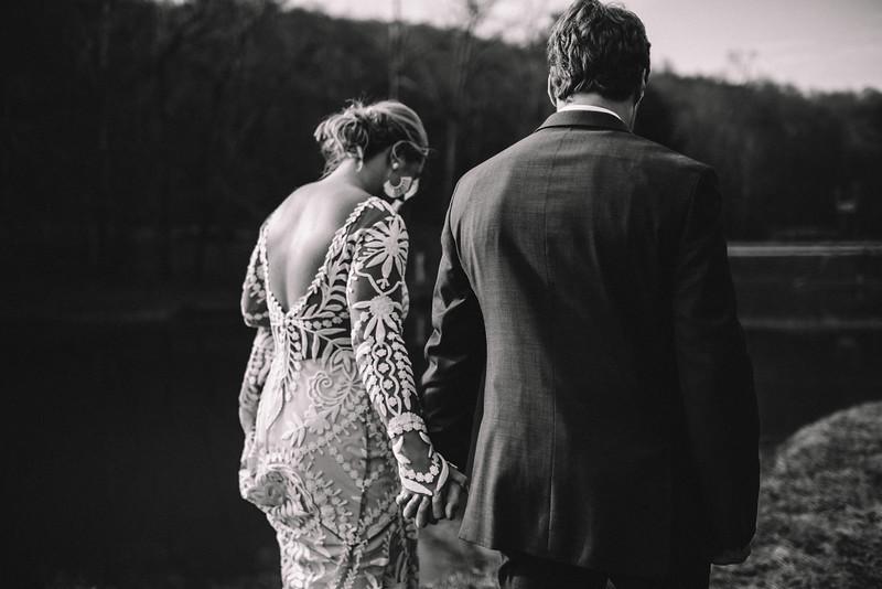 Requiem Images - Luxury Boho Winter Mountain Intimate Wedding - Seven Springs - Laurel Highlands - Blake Holly -737.jpg