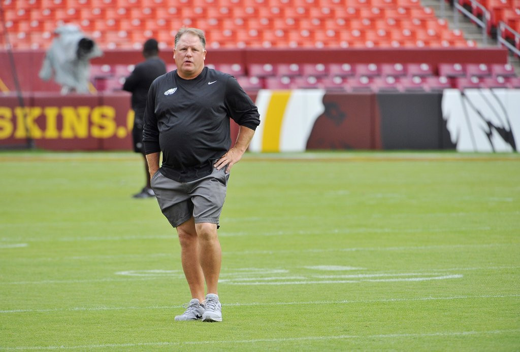 . <p><b> Chargers at Eagles (-7½):</b>  <p>Despite Philadelphia�s smash debut, many NFL analysts are skeptical that Chip Kelly�s offense can run at hyper-speed all season. They�re even more skeptical that the Eagles� dumpy coach could manage a single pushup. <p>Pick: <b>Eagles by 11</b> <p>    (Mark Gail/MCT)