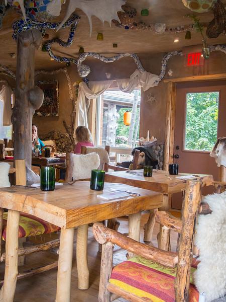 haisai dining room.jpg