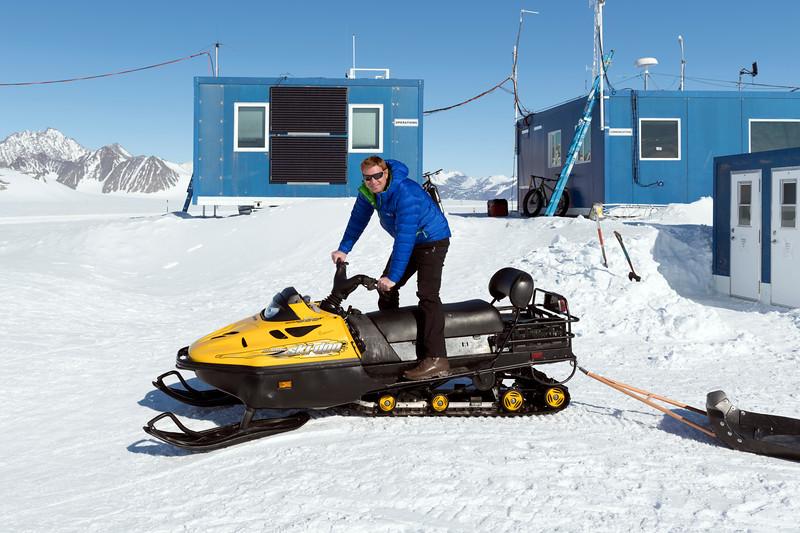 Climb Antarctica Women -1-11-18098514.jpg
