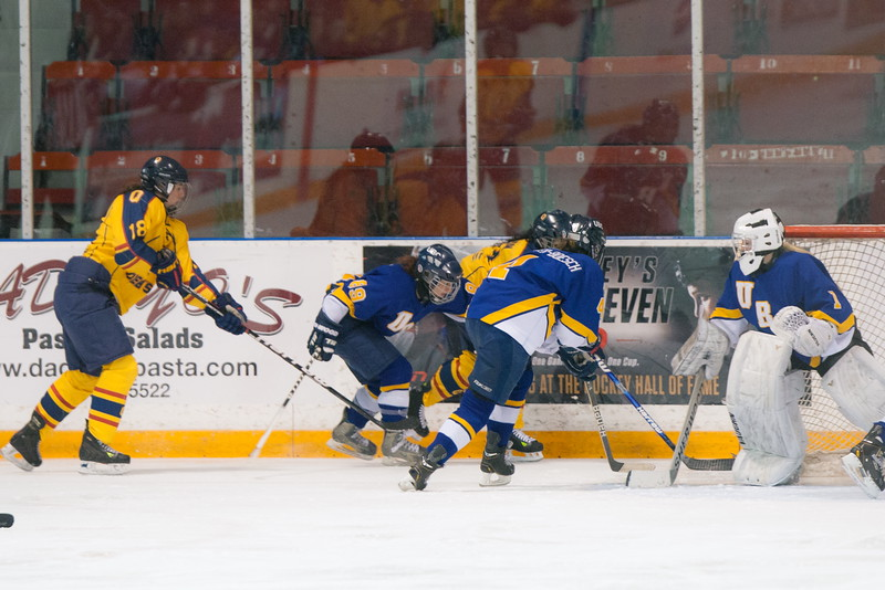 20130310 QWHockeyvsUBC 164.jpg