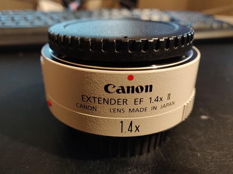Canon EF 1.4x II Extender - Serial UW1002 001.jpg