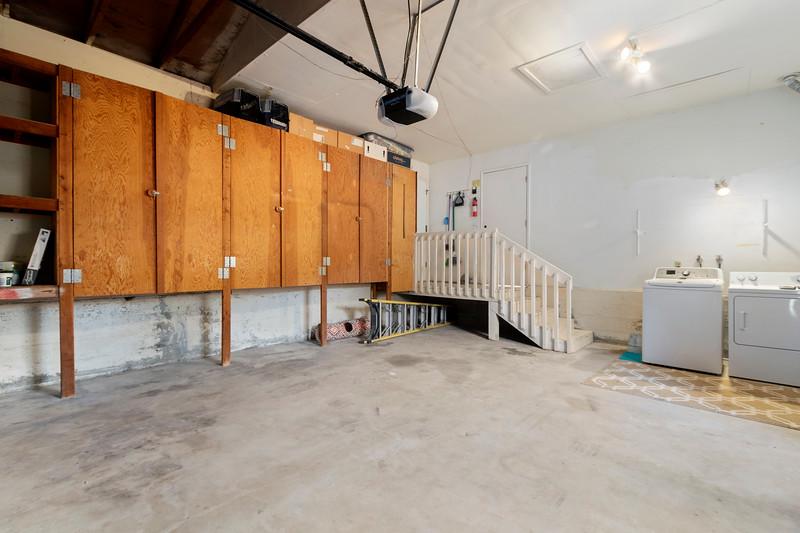 4505 Lobos 26 Garage.jpg